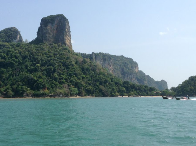 Arriving at Railay East