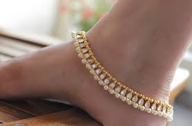 gold anklets in joyalukkas