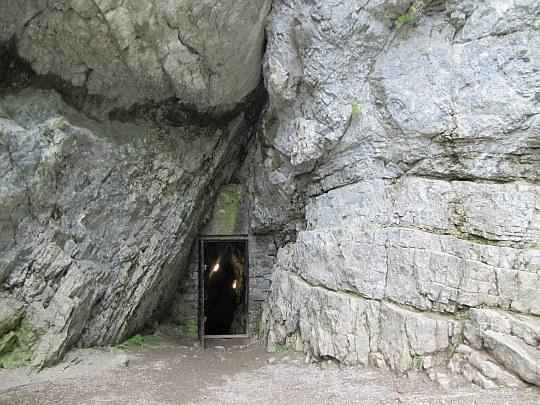 Wyjście z Jaskini Mroźnej.
