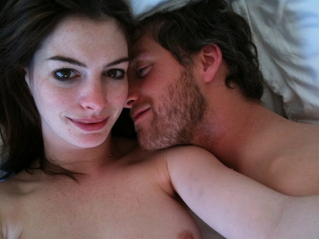 anne-hathaway-naked-photos-leaked-online