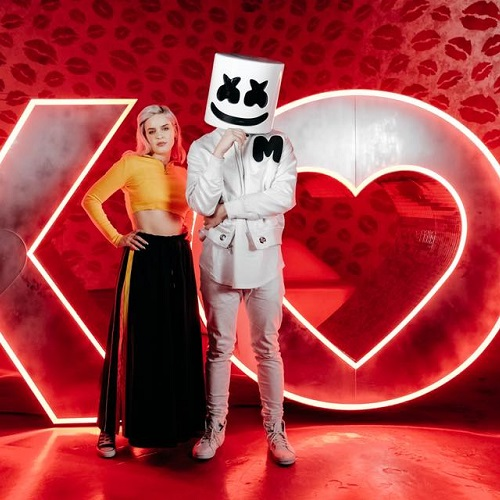 Video: Marshmello & Anne-Marie - Friends (Versión acústica)