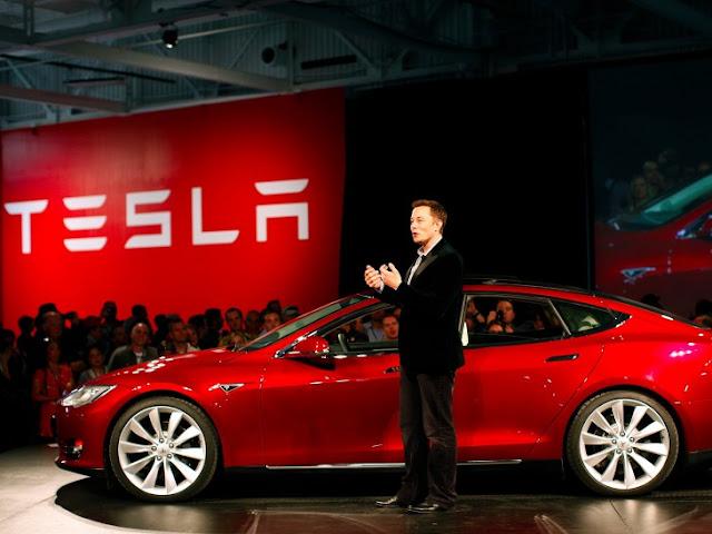 Tesla vende 325 mil autos Model 3 a la semana de presentarlo