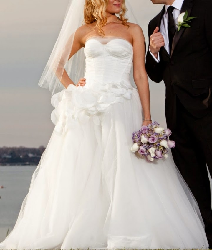 Rent Designer Dresses On Your Special Day ♥ : Vera Wang