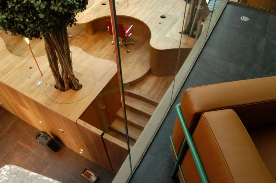 Projeto criativo para escritório com boa distribuição do espaço