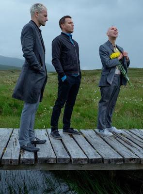 Simon (Jonny Lee Miller), Renton (Ewan McGregor), et Spud (Ewen Bremner) dans T2 Trainspotting