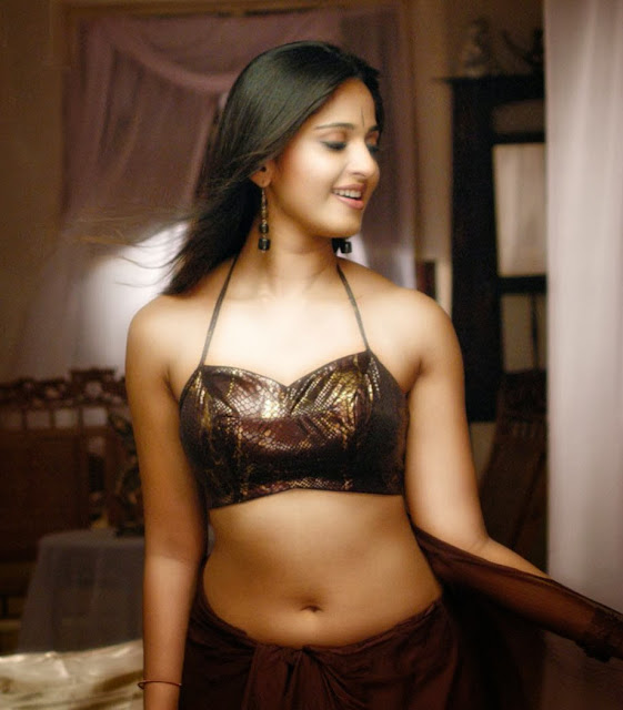 South Actress Anushka Shetty Hot Photos and Wallpapers Collection