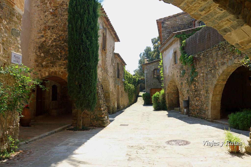 Plaza del Aceite, Monells, Girona