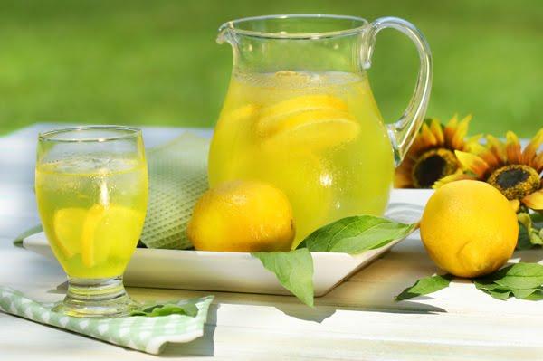 http://2.bp.blogspot.com/-5Bnyluja_K0/TcGYvrikAQI/AAAAAAAAAco/MUWZZ7wupYY/s640/lemonade.jpg