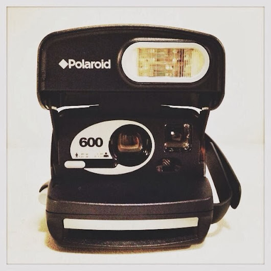 OLD SCHOOL POLAROID CAMARA