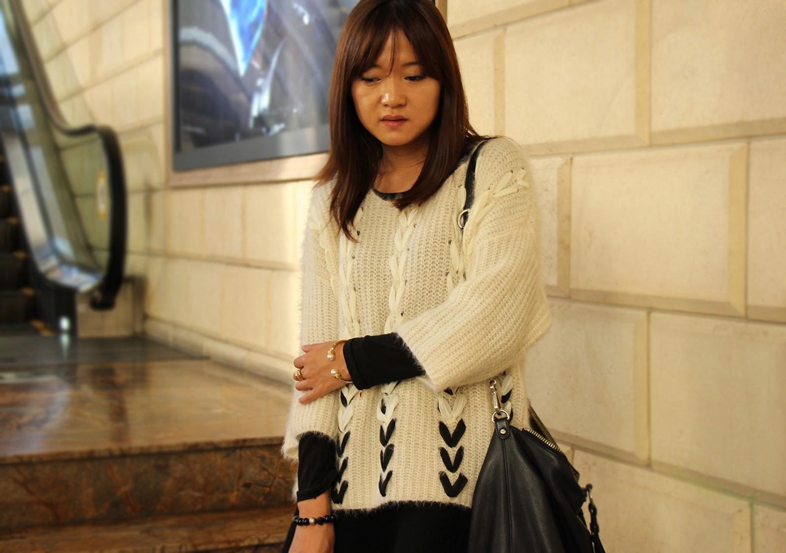 сеул, юбка преппи, кофта, свитер, фешн блоггер, замшевые полусапожки