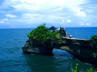 Batu Bolong Temple at Tanah Lot Bali Indonesia