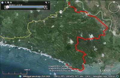 Track menuju Pantai Karapyak melalui Majingklak (dekat Pulau Nusakambangan)