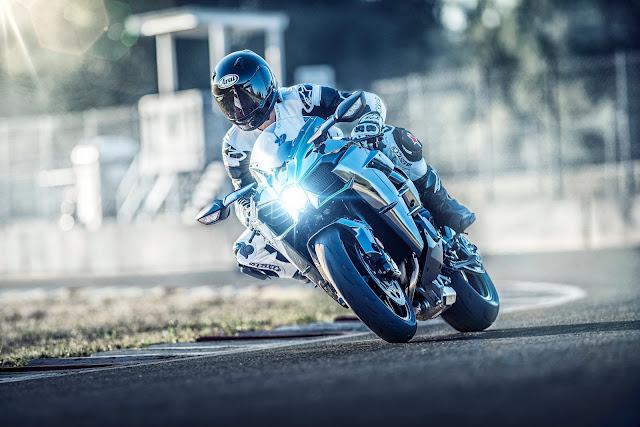 Kawasaki-H2-2019-curva
