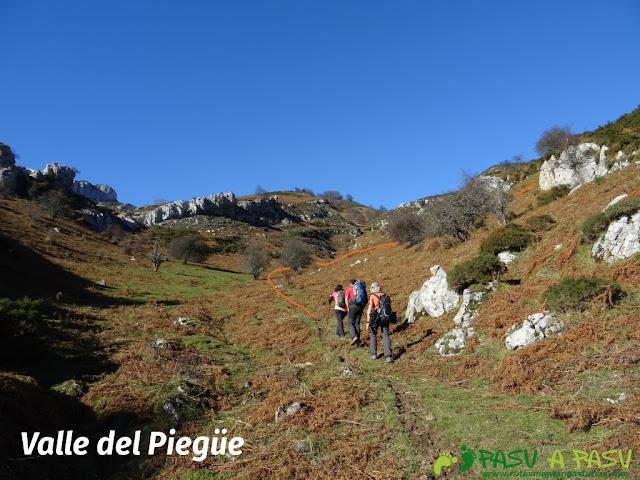 Subiendo el Valle del Piegüé