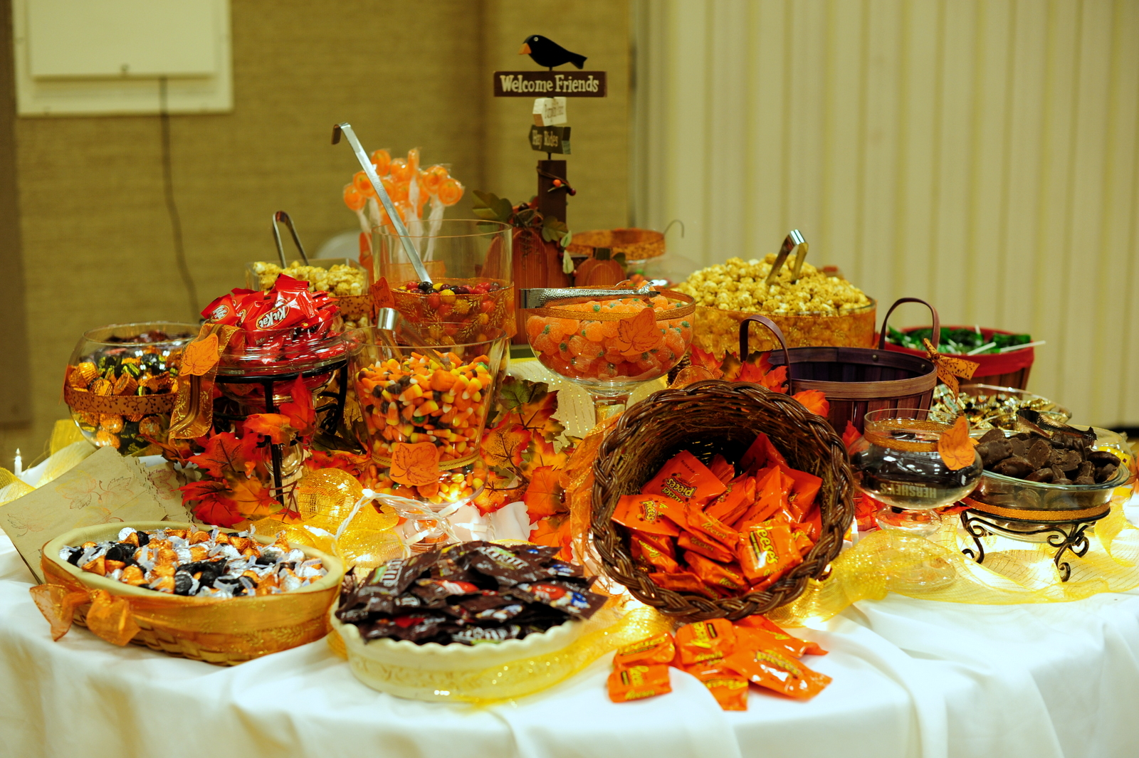 Fall Wedding Candy Buffet Ideas: Leafy Tree Tops: Fall/Autumn Themed Candy Buffet- The Sequel