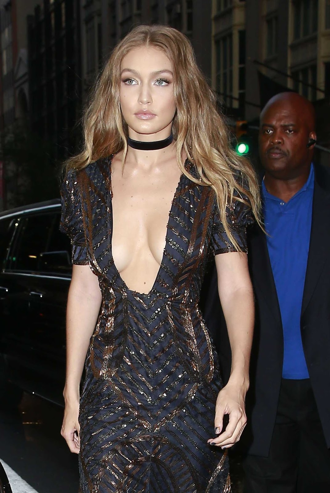 Gigi Hadid goes for the daring plunge at the Daily Front Row Fashion Awards in NYC