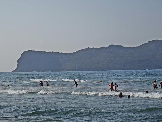 Kreta w szczycie sezonu jakie temperatury morza i powietrza?