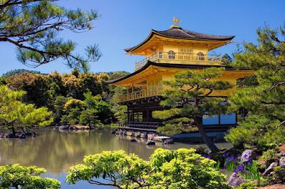 Kinkaku-Ji (Golden Pavilion) di Jepang