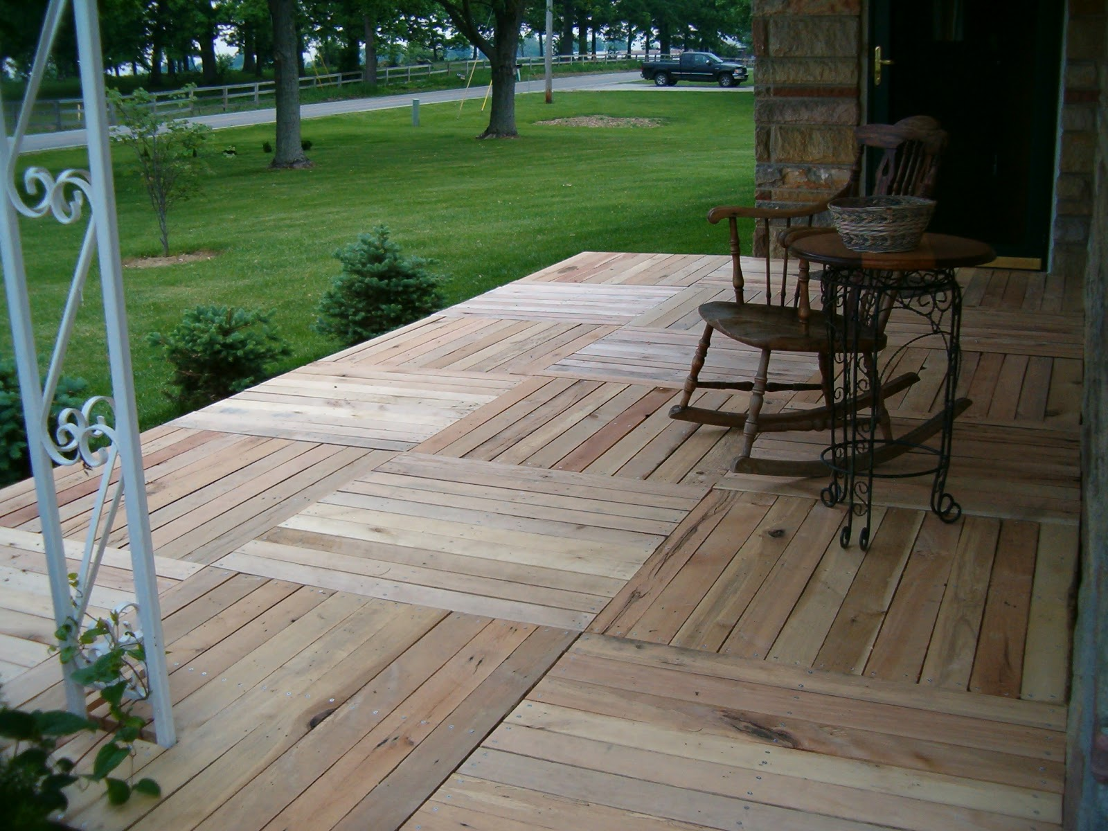 Diy Deck Flooring Redo Redux Revisiting Past Projects Pallet Wood Front Porch