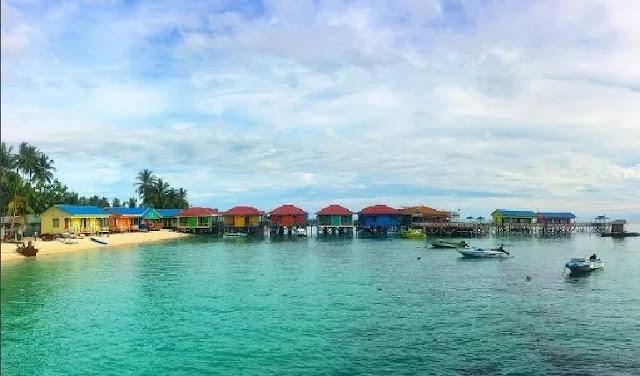 12. Kepulauan Derawan - Kalimantan Utara