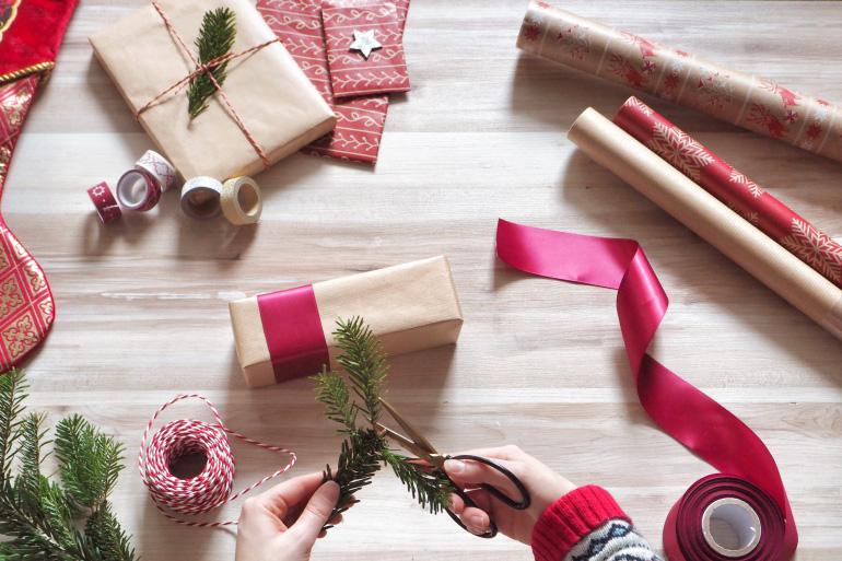 De jolis emballages cadeaux pour Noël - DIY