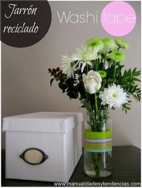 Bote reciclado en jarrón / Vase made out of a recycled jar / Pot en verre recyclé
