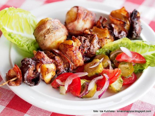szaszłyki z grilla, grill, grillowanie, gruszki, watrobka z kurczaka, ruszt, z rusztu, pieczona watrobka, lato