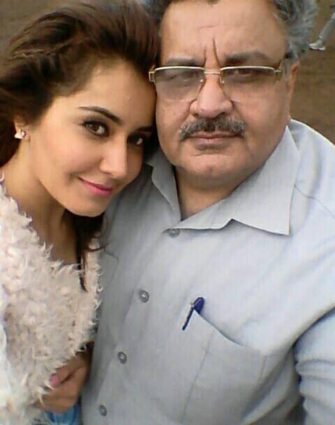 Actress Rashi Khanna Fathers Photos