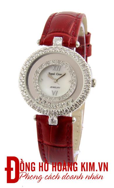 Đồng hồ đeo tay nữ Royal Crown dây da giá rẻ dưới 2 triệu