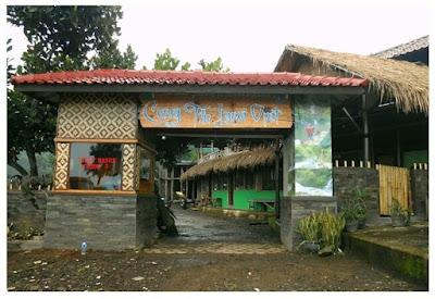 Gerbang masuk Kawasan wisata Curug Tilu Leuwi Opat, Cimahi