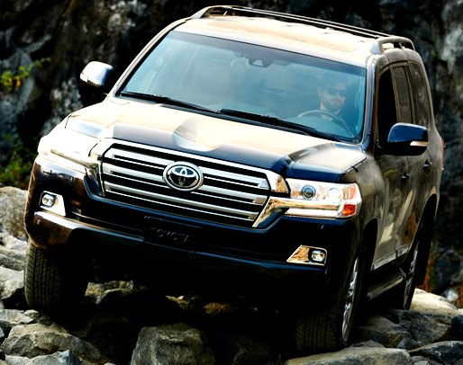 Toyota Land Cruiser 200 2017 black