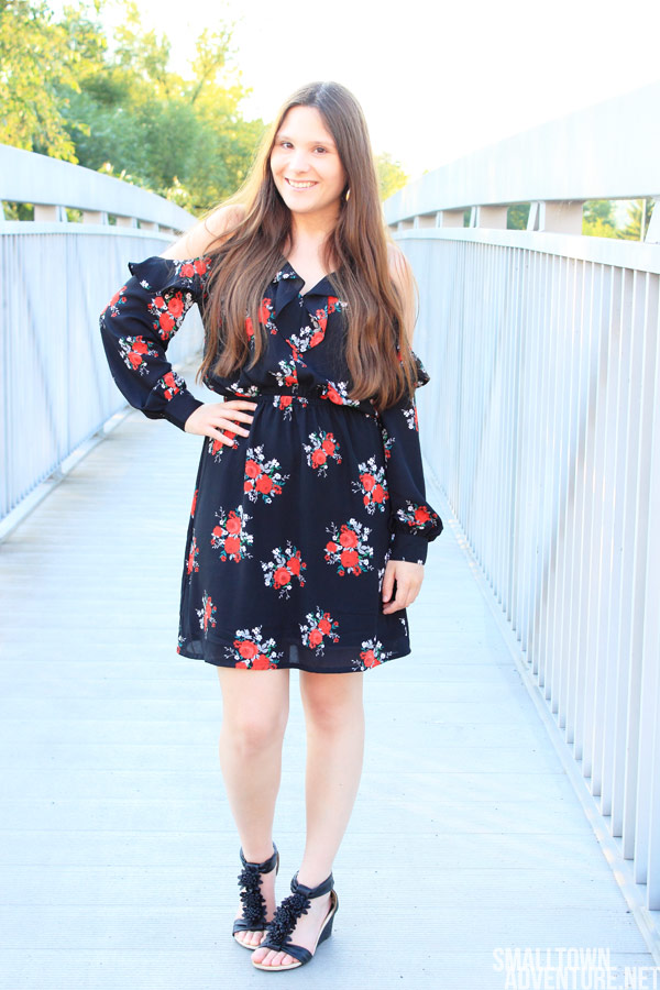 Ootd Schulterfreies Kleid, H&M, H&M Sale, Blumenmuster, Kleid Cut Outs, Fashionblogger, Kolumne Blogger, Umgang Soziale Netzwerke