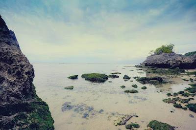 pantai padang padang,pantai terindah di indonesia