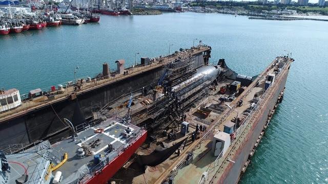 Reparan submarino en astillero de Mar del Plata