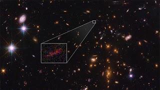 NASA Berhasil Menangkap Galaksi Terjauh Berkat Lensa Gravitasi