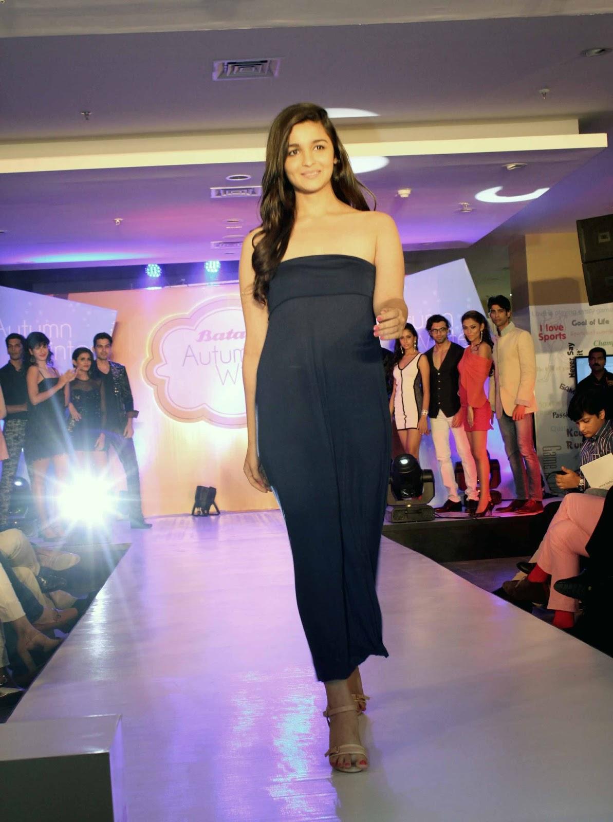 Alia Bhatt In Bikini, Alia Bhatt Hot,Alia Bhatt Wallpapers -3154