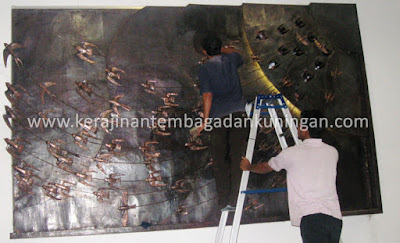 Hiasan Dinding Tembaga