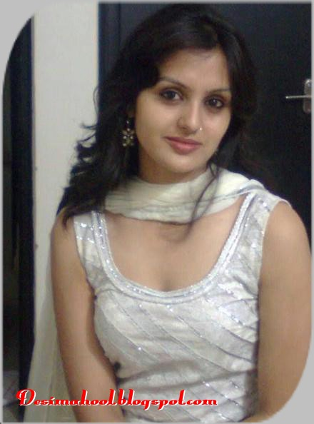 Pakistan College Girls Showing Indian Boobs Pictures  Hot -6202