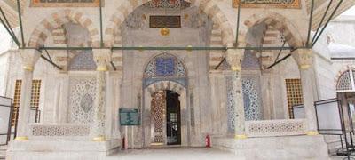 Εντοπίστηκαν πλακάκια απομιμήσεις σε τάφο στην Αγία Σοφία