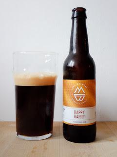 Mad Brewing Happy Barry Brow Ale La tienda de la cerveza dorado y en botella