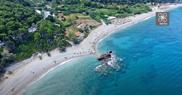 Η πανέμορφη παραλία με το κατάφυτο φαράγγι και τους καταρράκτες στην άκρη της Ελλάδας (βίντεο drone)