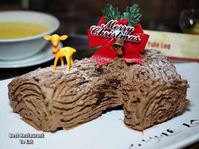 CHRISTMAS 2018 - Chocolate Yule Log Cake