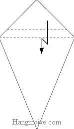 Bước 4: Gấp gấp khúc tờ giấy xuống.