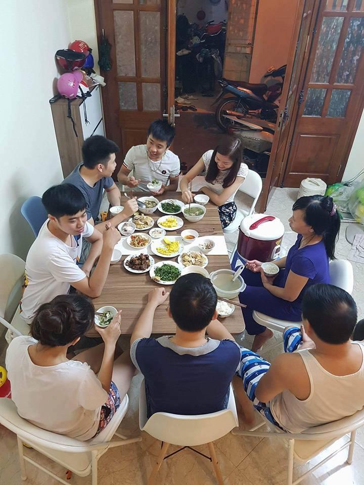 Khách hàng tại Văn Chương, Hà Nội.