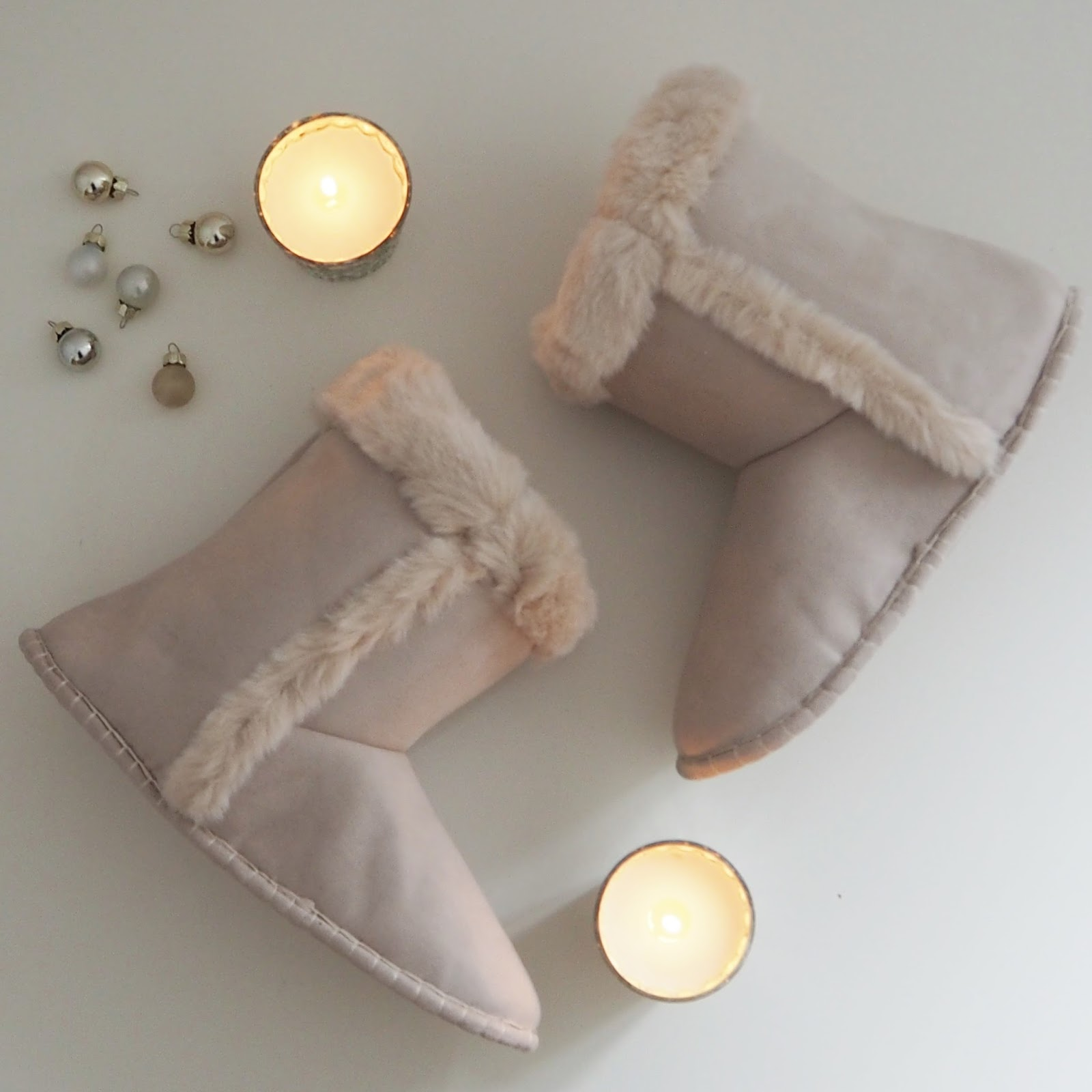 Christmas gift guide, The White Company suede, faux fur, Inuit slipper boots