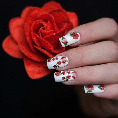 Uñas Decoradas con Rosas 2017
