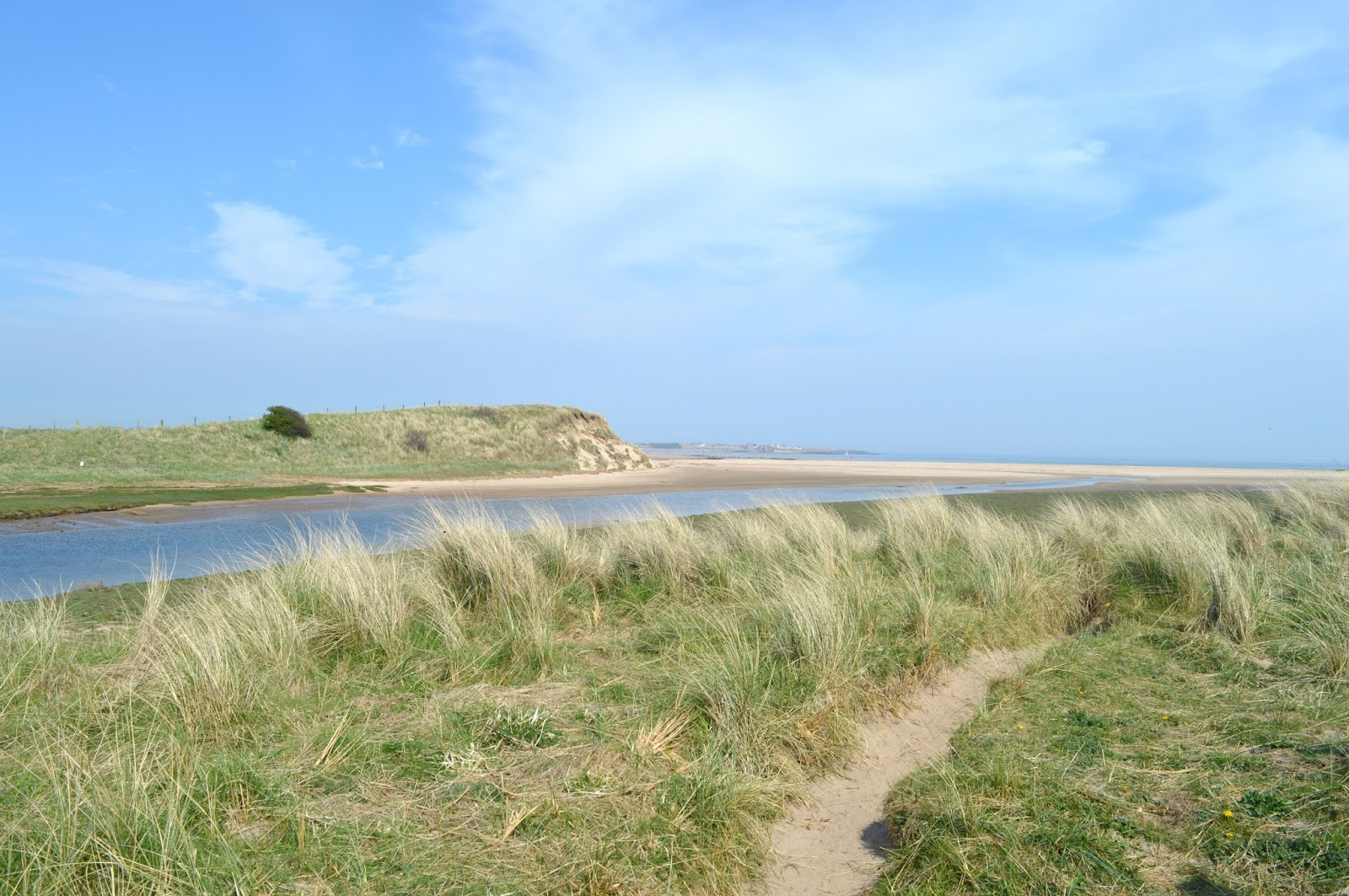 Low Newton to Beadnell - Walking the Coastal Path
