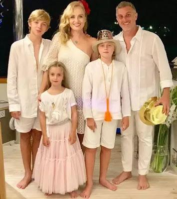 Angelica e Luciano Huck com os filhos Eva, Joaquim e Benício