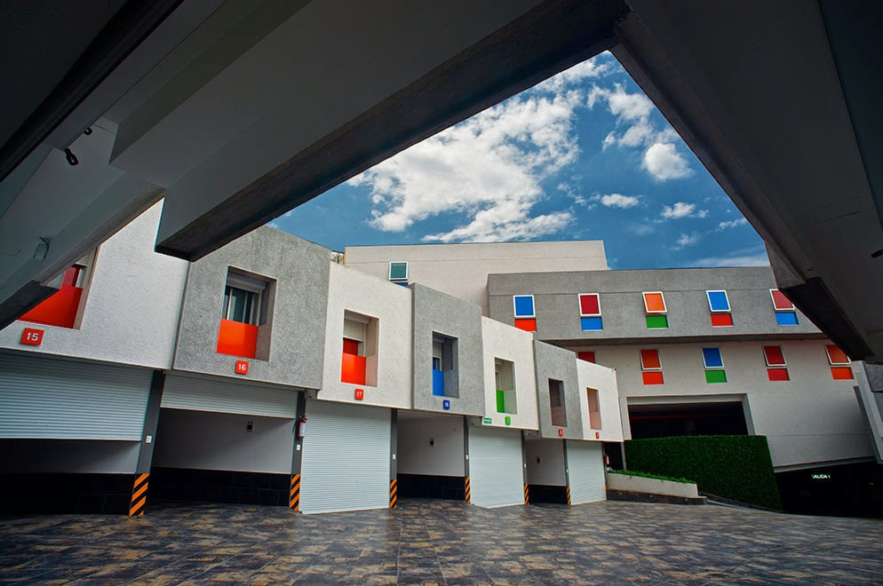 Guia hoteles de paso df cdmx hotel santa fe un hotel for Motel con piscina privada