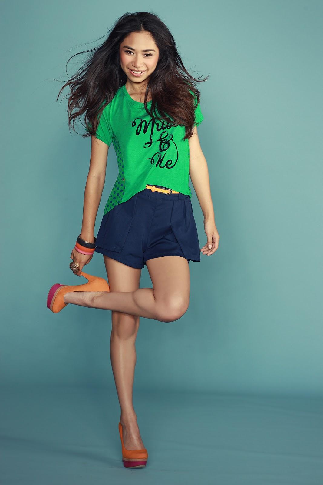 Shopgirl Jen Jessica Sanchez As Global Benchsetter